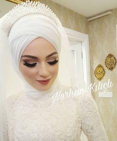 Bridal hijab models 2019 What's Makeup ? Hijabi Wedding, Muslimah Wedding Dress, Muslim Wedding Dresses, Muslim Brides, Wedding Bride, Dress Wedding, Bridal Makeup, Wedding Makeup, Makeup Hijab