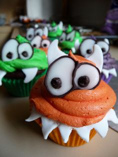 Monster Cupcakes  You should have totaly made these penny!!