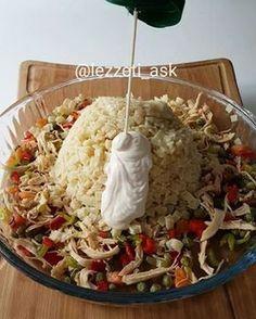 Siz makarna salatasını nasıl yaparsınız Bu sekilde sebzeleri biraz sıvıyagda p...