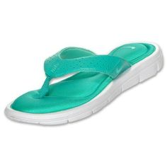 db183da17 Amazon.com  Womens Nike Comfort Thong Sandals Flip Flops 354925-300 Green  Size 11 M  Shoes