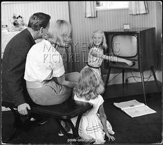 The future of data science looks spectacular - SmartCompany Vintage Tv, Vintage Photos, Television Set, Tv Times, Tv Channels, I Remember When, Data Science, Make Me Smile, 1950s