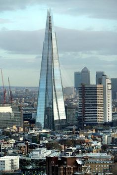 The view Form The Shard. Sube al Rascacielos más alto de Londres y forma parte del skyline de la ciudad. Reserva tu entrada: http://www.weplann.com/londres/visita-shard-edificio?utm_source=pinterest&utm_medium=pin&utm_campaign=producto&utm_content=the-shard&utm_term=WePlann