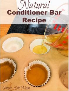 A Natural Handmade Conditioner Bar Recipe for naturally nourishing hair after using a shampoo bar. Pure and healthy hair care. Natural Beauty Tips, Natural Hair Care, Natural Hair Styles, Natural Face, Diy Shampoo, Shampoo Bar, Beauty Care, Beauty Hacks, Diy Beauty