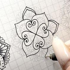 Mandala Pattern, Pattern Art, Pattern Design, Mandala Art Lesson, Mandala Drawing, Zantangle Art, Lotus Flower Art, Instruções Origami, Doodle Art Designs