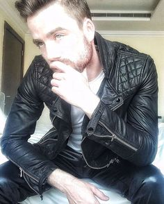 """poangielsku: """" A hog guy in leather """"                                                                                                                                                                                 More"""