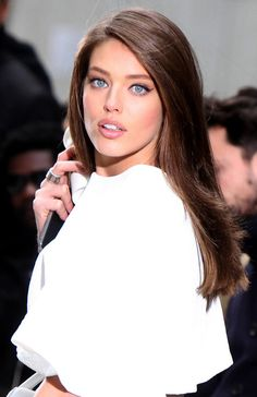 Emily Didonato shows pretty face and hair