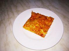 Egy finom Egyszerű tepsis pizzatészta ebédre vagy vacsorára? Egyszerű tepsis pizzatészta Receptek a Mindmegette.hu Recept gyűjteményében! Hungarian Recipes, Lidl, Quiche, Breakfast, Food, Morning Coffee, Essen, Quiches, Meals