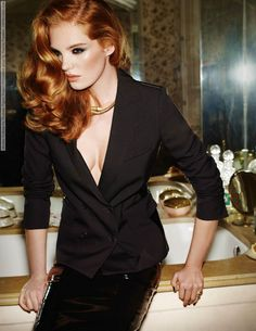 Alexina Graham for Madame Figaro France (November 2014) by Marcus Pummer  #AgnesPoulle #AlexinaGraham #DariiaDay #MadameFigaro(France) #MarcusPummer #SebastienLeCorroller