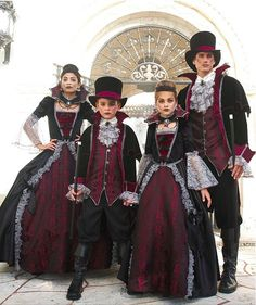 Kids Costumes for Halloween & Dress-up Matching Family Halloween Costumes, Matching Costumes, Family Costumes, Halloween Dress, Halloween Kostüm, Halloween Outfits, Halloween Couples, Group Halloween, Couple Costumes