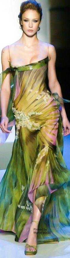 See all the Collection photos from Elie Saab Spring/Summer 2004 Couture now on British Vogue Couture Fashion, Runway Fashion, Womens Fashion, Marchesa, Green Fashion, High Fashion, Green Evening Gowns, Elie Saab Couture, Elie Saab Spring
