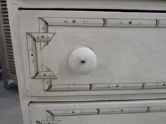 {An Urban Cottage: Darby Road, Waltham} trompe l'oeil bamboo chest