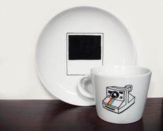 Geschirr Set // Cup and plate by hellopetie via DaWanda.com