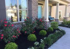 56 Simple Landscaping Ideas How To Decor Your Front Yard - DIY Garten Landschaftsbau Front Garden Landscape, Small Front Yard Landscaping, House Landscape, Outdoor Landscaping, Landscape Designs, Lawn And Garden, Landscaping Design, Front Yard Design, Mailbox Landscaping