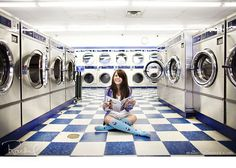 senior girl: I want to do a shoot at a laundromat