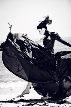 Contrasting the natural world with sleek black garments, photographer Zhang Jingna shoots Denise of Photogenics as a dark maiden of the sea in her latest work. Styled by Mildred von Hildegard, Jingna creates a story of haunting beauty and deluxe fashion from Mother of London with Before the Tide Comes.