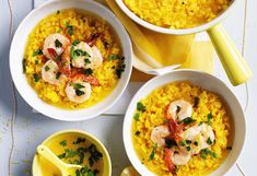 Saffron and lemon risotto with shrimps and gremolata Shrimp And Broccoli, Garlic Shrimp, Gremolata, Shrimp Risotto, Best Shrimp Recipes, Mediterranean Spices, Sheet Pan, Soul Food, Thai Red Curry