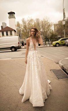 Brautkleider-Trends 2018: DAS sind die 100 schönsten Kleider! : Fotoalbum - gofeminin Event Dresses, Prom Dresses, Formal Dresses, Bridal Wedding Dresses, Wedding Dress Styles, Trends 2018, Pallas Couture, Spring Dresses, Spring Collection