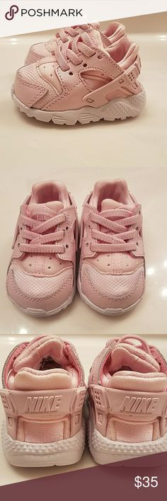 best sneakers 4f327 455a4 Nike Huarache pink infant girl s shoes Nike Huarache pink infant girl s  shoes Nike Shoes Baby   · Zapatos De Niña BebéZapatos ...