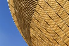Image 8 of 22 from gallery of London 2012 Velodrome / Hopkins Architects. Photograph by David Poultney Modern Residential Architecture, Wooden Architecture, Facade Architecture, Amazing Architecture, Hopkins Architects, Brick Images, Architects London, Dezeen, Facades