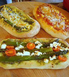 Harapásbarát :o) focaccia - vagy pizza Cheesesteak, Hot Dog Buns, Pesto, Bakery, Bread, Snacks, Dinner, Ethnic Recipes, Drink