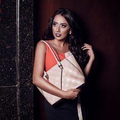Autenticidade, luxo e elegância são características que você encontra em todas as nossas bolsas.  #bolsas #modafeminina #zetibolsas #highfashion #mulheres #exclusividade #moda