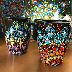Loving my new style 💕🐢 dot art painting, pour painting, mandala painting, Painted Clay Pots, Painted Flower Pots, Painted Mugs, Painted Rocks, Dot Art Painting, Mandala Painting, Pottery Painting, Stone Painting, Mandala Dots