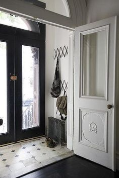 Victorian entry