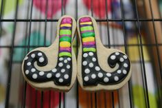 Curly toed witch boot cookies. I think I could use a stocking cutter.