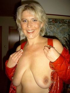 Gorgeous naked mature moms