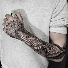 Mandala Forearm Tattoo Designs has been taken the world of tattoos by storm. Those who are yoga practitioners and focus on the Anuttarayoga tantra mainly we Hand Tattoos For Guys, Cool Forearm Tattoos, Forearm Tattoo Design, Trendy Tattoos, New Tattoos, Tribal Tattoos, Mandala Tattoo Design, Mandala Hand Tattoos, Geometric Tattoo Hand