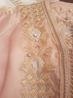 Moroccan Caftan, Caftan Dress, Kaftans, Traditional Outfits, Hijab Fashion, Embroidery, Bride, Boutique, Model