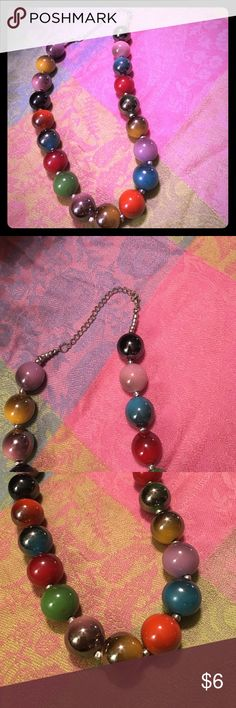 "18"" Funky Retro 60's Style Metallic Ball Necklace A pre loved but in EXCELLENT CONDITION Ladies Funky Retro 60's Style Necklace with large metallic ball in array of gorgeous colors. Lobster silver tone clasp you will be sure to get your groove on when accenting your outfit with this! ✅‼️ Unknown  Jewelry Necklaces"