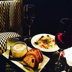 Good Friday night...truffles tarama and sea bass carpaccio at Compagnie Des Vins Surnaturels, Paris 6th #parisianblackbook #yummy #compagniedesvinssurnaturels