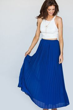 This feminine piece is designed with a smooth panel at the waist and perfectly polished pleats, adding to its fluidity. Wear yours with single-sole sandals to highlight the ankle-grazing length Made in the USA Yellow Maxi Skirts, Cute Maxi Skirts, Long Skirts, Skirt Outfits, Dress Skirt, Nursing Friendly Dress, Modest Dresses, Maxi Dresses, Affordable Fashion