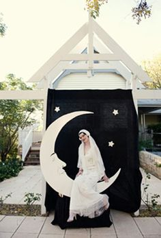 Art deco wedding- paper moon prop for guest photos...came so close to doing this!