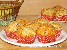 Loaded with melted cheese and ham, these delicious muffins make the perfect breakfast. These savory muffins are also a good choice for an after school snack, for brunch and even for parties, as an … Ham And Cheese Muffin Recipe, Cheese Muffins, Muffin Recipes, Brunch Recipes, Breakfast Recipes, Savory Muffins, Bread Ingredients, Perfect Breakfast, International Recipes