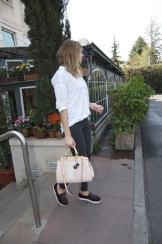 Loui Vuitton pink angel Tote, Melissa flats, Pull and Bear shirt.