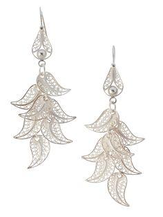 Sieraden & Edelstenen *Jewellery ~Oorhangers *Earrings: Filigrain / zilver: Filigrain (filigraan) is een vorm van edelsmeedkunst waarbij een siervoorwerp wordt opgebouwd uit zeer dun goud of zilverdraad~