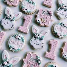 Some-bunny is One Cookies - Kisses + Caffeine Cute Easter sugar cookies! First Birthday Cookies, 1st Birthday Party For Girls, Girls Tea Party, Birthday Diy, Birthday Ideas, Thing 1, Cookie Designs, 1st Birthdays, Sugar Cookies