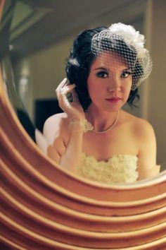 Retro bride! So lovely...