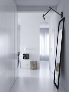 House of the week: minimal grey home - My Dubio Hallway Inspiration, Interior Design Inspiration, Estilo Interior, Interior Styling, Style At Home, Interior Architecture, Interior And Exterior, Luminaire Design, Hallway Decorating