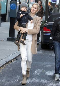 @KellyRutherford Fashion Mama! ;)