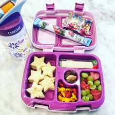 Charlotte wanted superstar sammies Charlotte wanted superstar ? Charlotte wanted superstar ? Bento Box Lunch For Kids, Bento Kids, Kids Lunch For School, Healthy School Lunches, Lunch Snacks, Lunch Box Recipes, Baby Food Recipes, Lunchbox Ideas, Bento Lunchbox