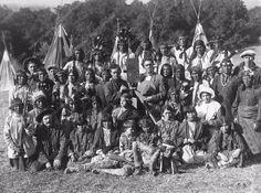 photo c 1915 Bison Film Co. w American Indians film extras Universal Studios 2879-04