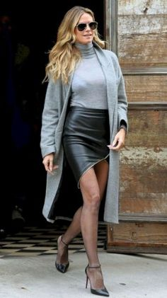 Excellent Ideas To Wear Mini Skirts 24 Short Skirts, Mini Skirts, Diy Mode, Girly Outfits, Heidi Klum, Dress Skirt, Leather Skirt, Tops, How To Wear