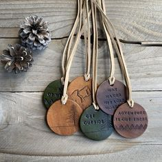 Leather Art, Leather Gifts, Leather Tooling, Leather Diy Crafts, Leather Projects, Leather Necklace, Leather Jewelry, Bijoux Wire Wrap, Jewelry Crafts