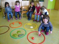 Children can physically sort the food into colors with hoola hoops. Making it a game to see who sorts the colors first. Gross Motor Activities, Kindergarten Activities, Infant Activities, Activities For Kids, Games For Kids, Art For Kids, Crafts For Kids, Vegetable Crafts, Very Hungry Caterpillar