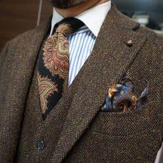 Stuff I Like, maidoookini: Goooo morning My favorite tweed. Stuff I Like, maidoookini: Goooo morning My favorite tweed. Gentleman Mode, Gentleman Style, Vintage Gentleman, Sharp Dressed Man, Well Dressed Men, Tweed Suits, Mens Suits, Tweed Men, Moda Formal