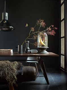 Best Living Room Ideas With Black Walls 04 Estilo Interior, Interior Styling, Interior Decorating, Interior Office, Office Walls, Room Interior, Dark Interiors, Colorful Interiors, Dark Walls