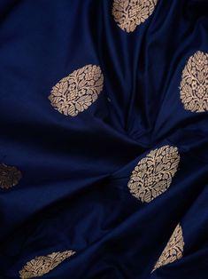 Royal Blue Saree, Blue Silk Saree, Soft Silk Sarees, Kanchipuram Saree Wedding, Bridal Sarees, Pattu Saree Blouse Designs, Lehenga Designs, Assam Silk Saree, Designer Sarees Wedding